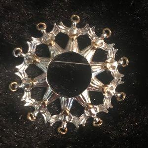 Jewelry - Circle Angel Brooch